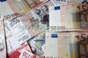 Icelandic-kronur-currency-with-euro-banknotes