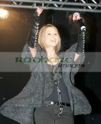 Rachel-Stevens-at-the-switch-on-Belfasts-Christmas-lights,-Belfast-City-Hall,-Northern-Ireland-UK