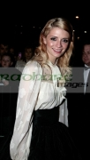 Mischa-Barton-attends-the-UK-Premiere-Closing-the-Ring-BELFAST,-UNITED-KINGDOM-_-DECEMBER-13-2007