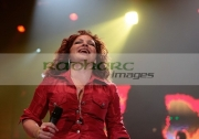 BELFAST,-UNITED-KINGDOM-_-SEPTEMBER-08:-Gloria-Estefan-performs-at-Odyssey-Arena-on-September-8,-2008-in-Belfast,-Northern-Ireland