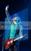 BELFAST,-UNITED-KINGDOM-_-NOVEMBER-10:-Tom-Fletcher-McFly-performs-at-Odyssey-Arena-on-November-10,-2008-in-Belfast,-Northern-Ireland