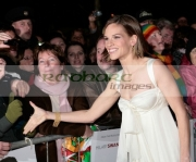 DUBLIN,-IRELAND-_-DECEMBER-19:-Hilary-Swank-attends-the-PS,-Love-You-_-European-Film-Premiere