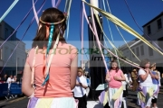 young-girls-children-dancing-round-maypole-on-may-day-in-the-uk