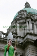 Statue-St-Patrick-beneath-the-copper-dome-Belfast-City-Hall-on-Saint-Patricks-Day-2007