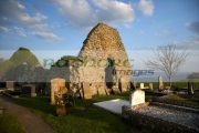 Remains-Saint-Colemans-abbey-16th-century-church-at-Ardboe-on-the-shores-lough-neagh-county-tyrone-northern-ireland